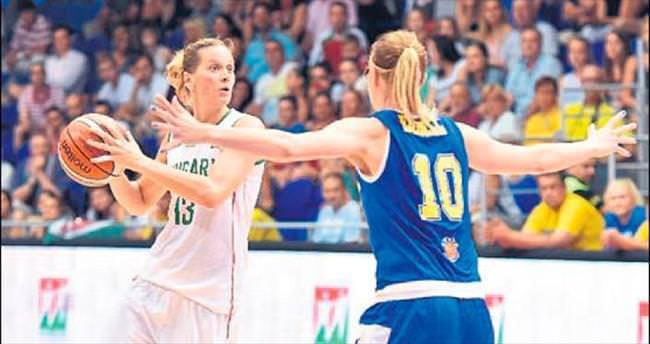 Anna Vajda Yakın Doğu'da