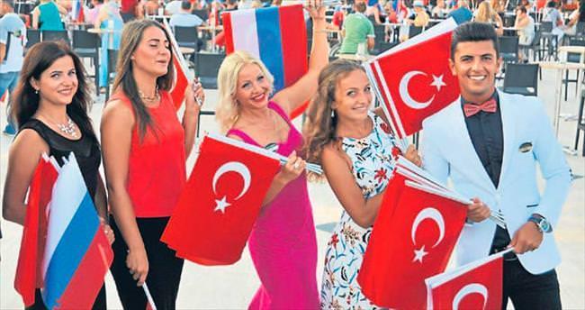 Antalya'ya bekliyo'Rus'