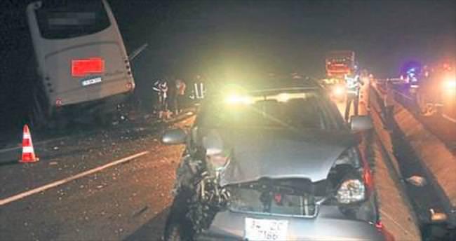 Akhisar'daki kazada 11 kişi yaralandı