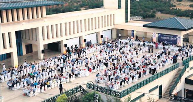 HKÜ'de 7'nci iftar buluşması