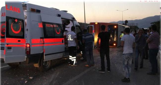 Elazığ'da yolcu otobüsü devrildi