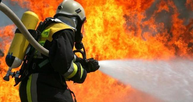 Hindistan'da yangın: 9 ölü