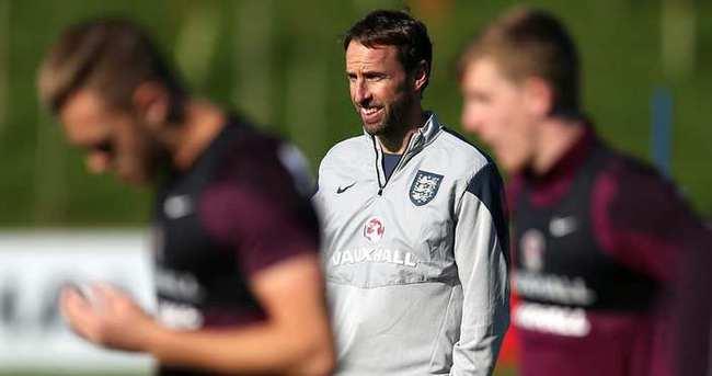İngiltere'nin hocası kim olacak?