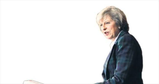 İngiltere'nin yeni Thatcher'ı sahnede