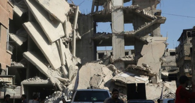 Suriye'de füzeli saldırı: 18 ölü