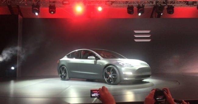 Tesla Model 3 Performance nasıl olacak?