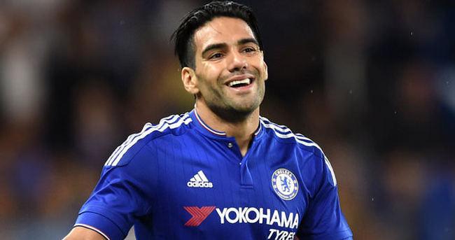 Chelsea'de 3 futbolcu gönderildi