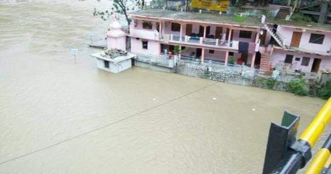Hindistan'da şiddetli yağışlar