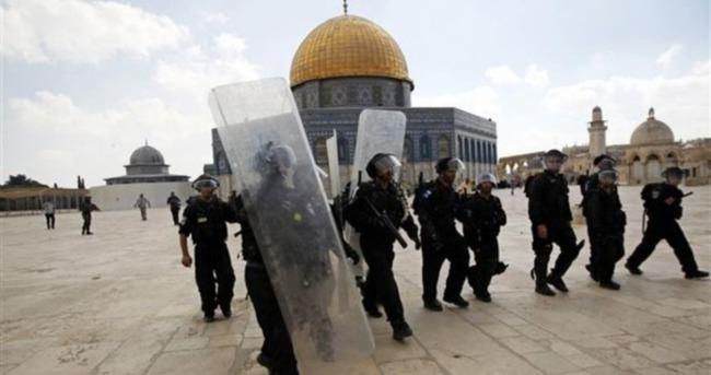 İsrail'in Mescid-i Aksa engeli: 1 ölü