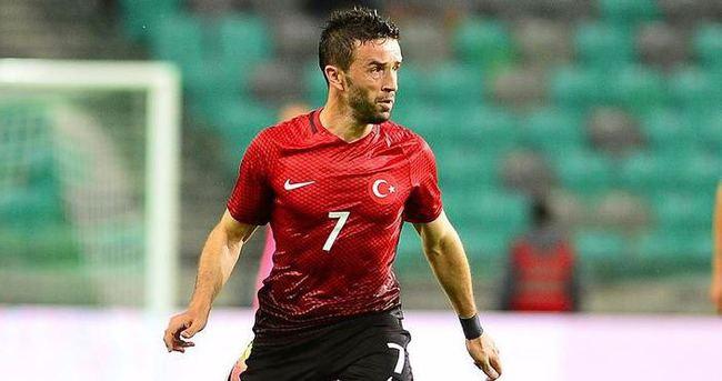 Beşiktaş Gökhan Gönül'ü resmen açıkladı