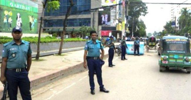 Bangladeş'te bir Hindu rahip daha palayla öldürdü
