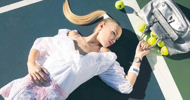 Tenis modayla flörtte