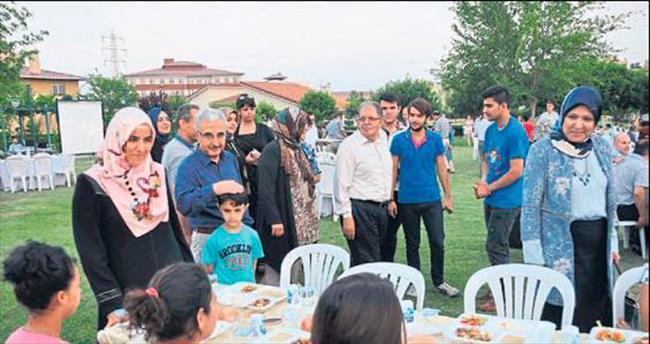 'Sevgi' çocukları AK Parti'nin konuğu