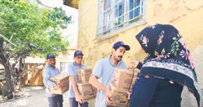 Günde bin 500 aileye gıda yardımı gidiyor