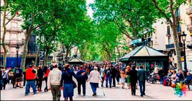İspanya'da 100 bin kişi evinden oldu