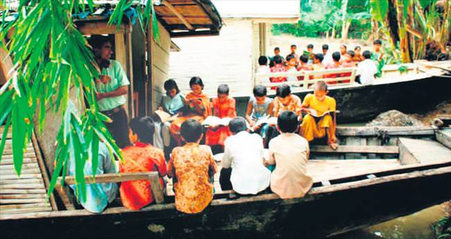 Küresel ısınmaya karşı yüzen okullar
