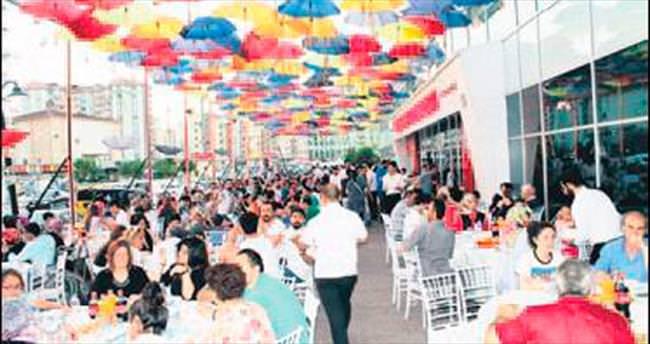 Köşk Sosyete Pazarı'ndan bin kişilik iftar