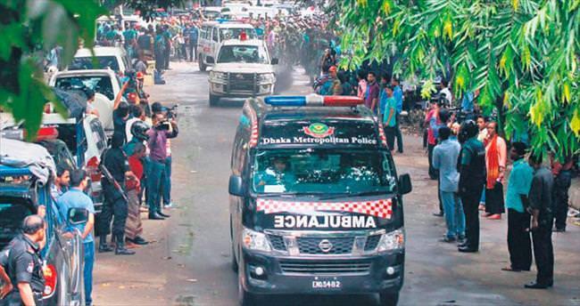 DAEŞ terörü Dakka'da 20 ölü
