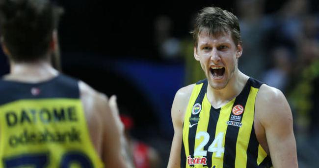 Vesely: Artık Fenerbahçe'nin oyuncusu değilim
