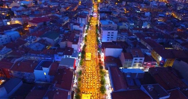 Türkiye'nin en büyük iftar sofrası o ilimizde kuruldu