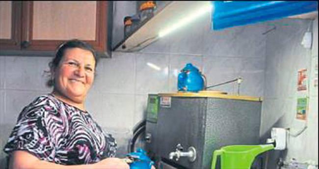 Köy kahvesi bir kadına emanet