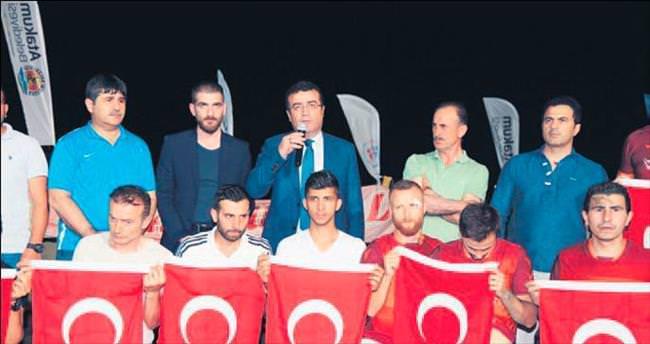 Atakum'dan teröre karşı 'bayraklı' tepki