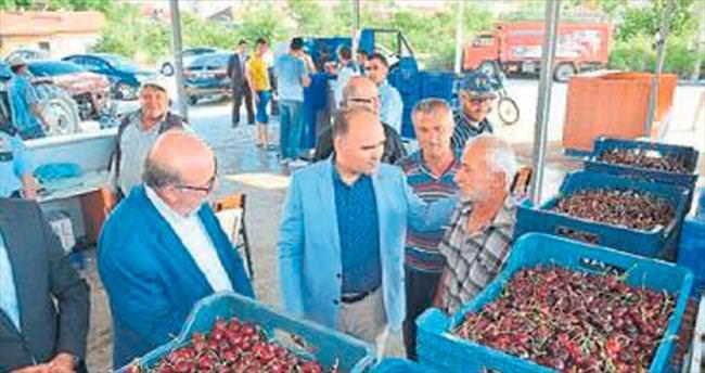 Uluborlu'da 40'ıncı Kiraz Festivali yapıldı