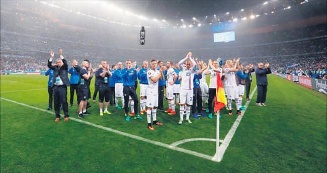 Fransa gururlu İzlanda onurlu