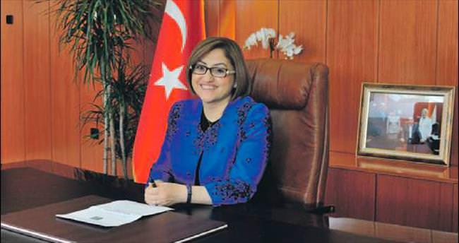 Fatma Şahin: Bayramın, İslam alemine huzur, barış ve adalet getirmesini diliyorum
