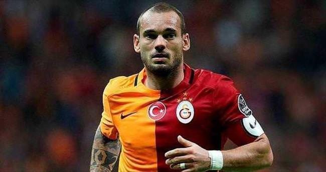 Sneijder gitsin diğerleri indirsin