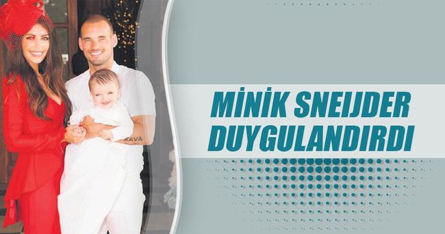 Minik Sneijder duygulandırdı