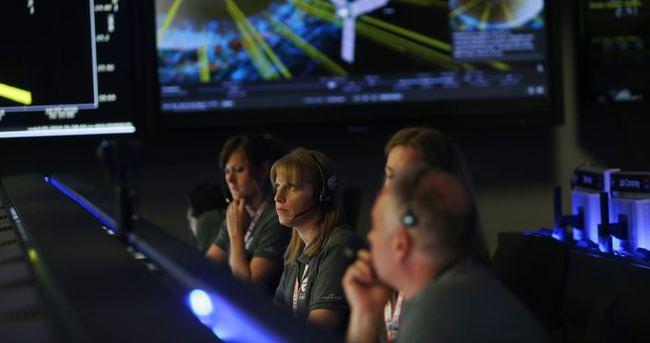 Juno uzay aracı Jüpiter'in yörüngesine girdi ve doodle oldu
