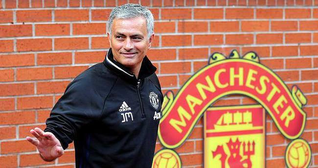 Mourinho ilk toplantısında Wenger'e çattı