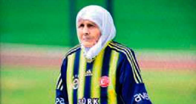 Gülizar Nine'nin Fenerbahçe aşkı