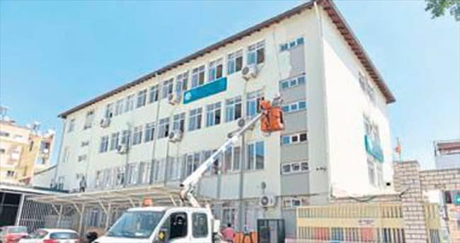 Okulların bakımı Muratpaşa'dan