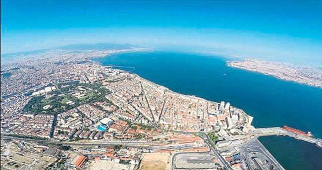 İzmir kuzeye doğru genişliyor
