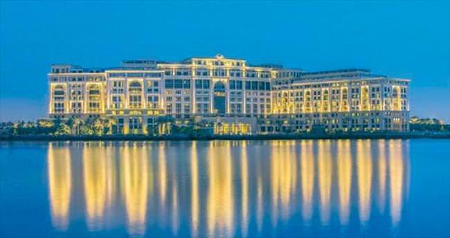 Versace, Dubai'de otel açtı