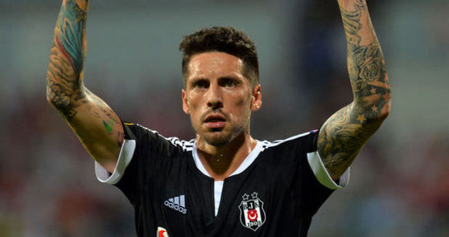 Beşiktaş'a şok! Yıldız futbolcu gelmedi!