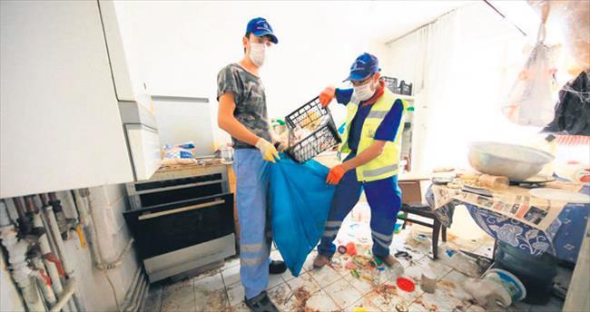 Keçiören'de iki çöp eve müdahale