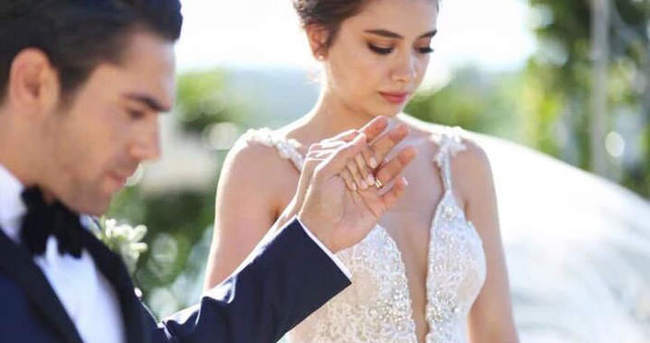 Kadir Doğulu nikahın ardından slogan atarak sevindi