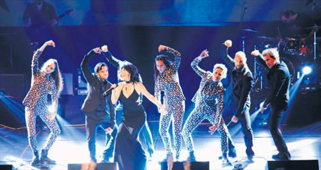 Antalya'da 5 bin kişilik dev konser