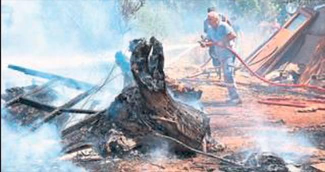 Çalılık alanda yangın çıktı