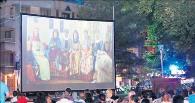 Yenimahalle sokaklarında sinema
