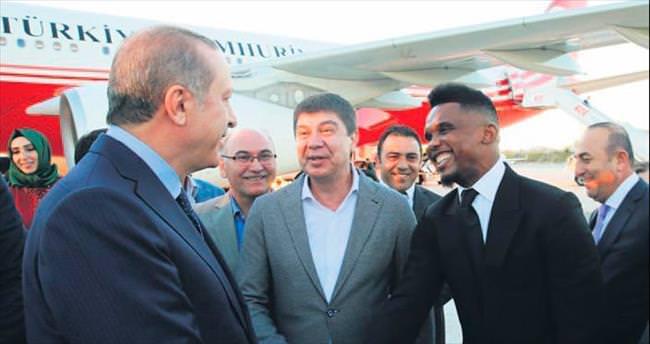 Cumhurbaşkanı Erdoğan yıldızlarla oynayacak