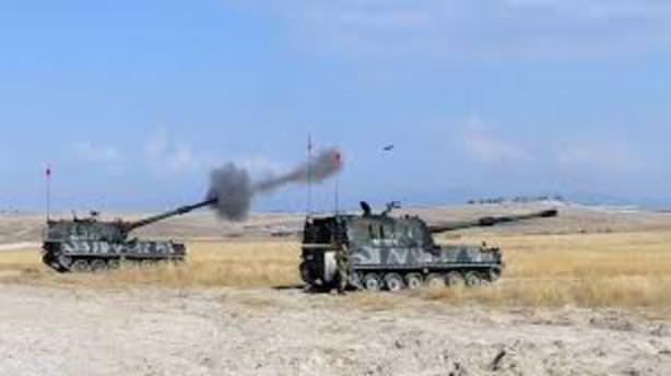 Çukurca'da PKK noktaları obüslerle vuruldu