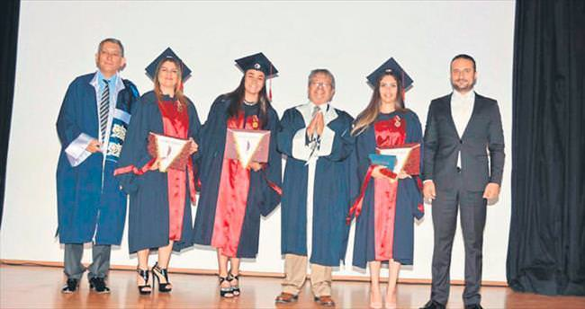 Fen Edebiyat'ta diploma töreni