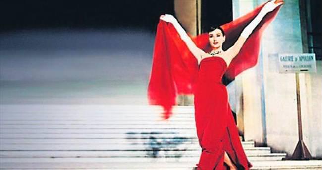 Hepburn'ün mektupları 11 bin pound'a satıldı