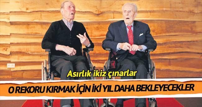 İkizler 103'üncü yaş günlerini kutladı