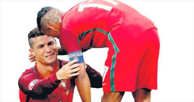 Ronaldo ağlayarak çıktı