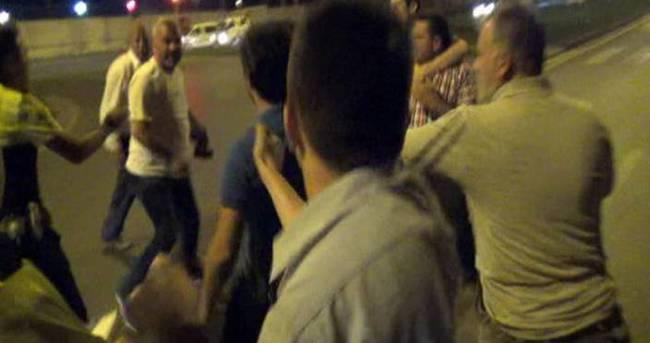 Alkollü sürücü ile arkadaşları gazetecilere saldırdı